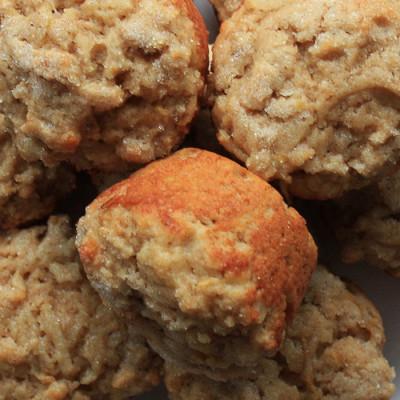 Muffins à la poire et aux flocons d'avoine